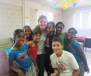 Anna with her English students at the Escuela Nuestra Senora de la Luz, Cienfuegos.