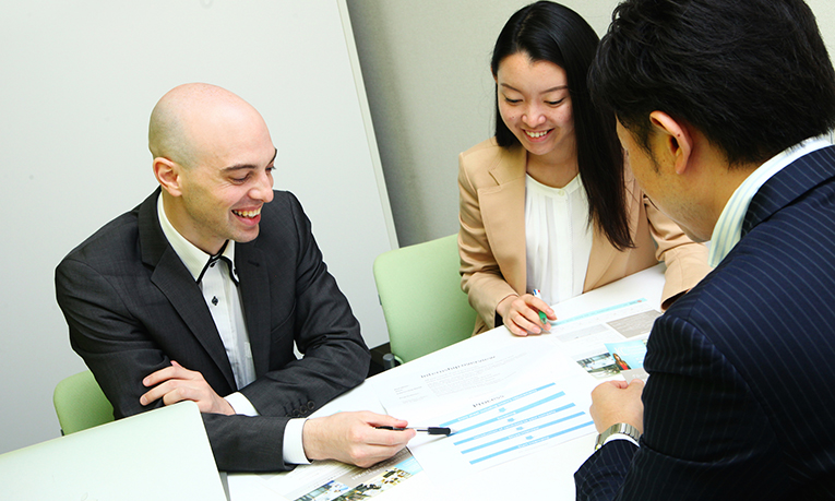 Internship in Japan staff members in a meeting