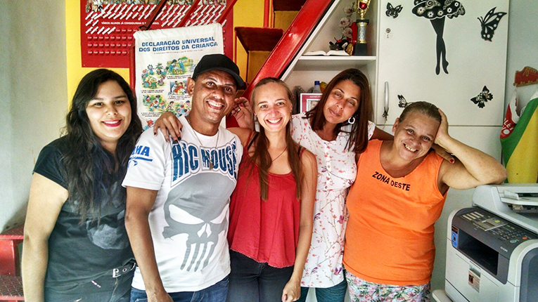 A volunteer in Brazil with her homestay family
