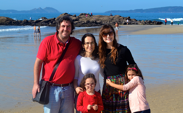 Foreign English tutor with host family in Spain