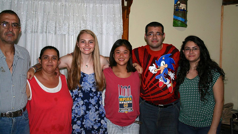 Volunteer in Costa Rica with Host Family