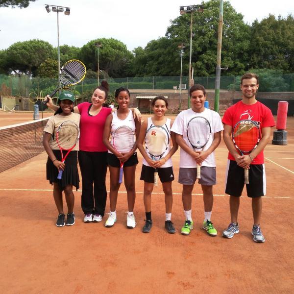 AUR Tennis Club