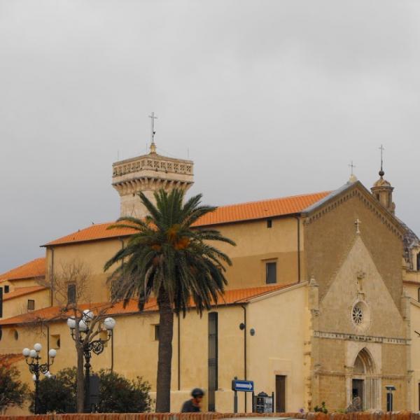 visting churches in tuscany