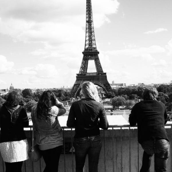 Discover all Paris has to offer by enrolling in the Paris, Accessibly Yours program offered by APA Paris.