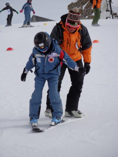 Teaching skiing