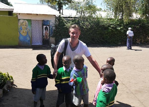 Teaching Programs in Tanzania with Love Volunteers!