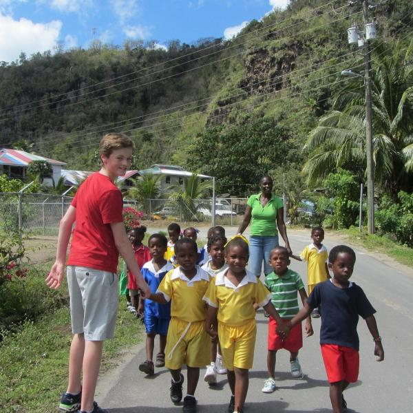 Volunteer as a Family in the Caribbean