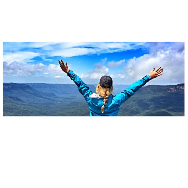 Hiking in the Blue Mountains. Photo by ISA intern alumna Jordan Bishop