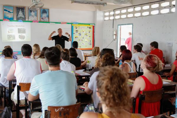 Teaching TESOL to New Teachers in Thailand