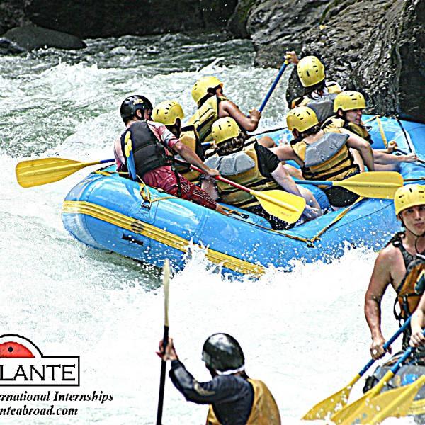 Rafting Rio Pacuare - Intern in Costa Rica- Adelante Abroad