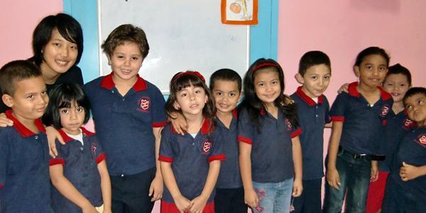volunteer-esl-teacher-abroad-in-costa-rica-central-america