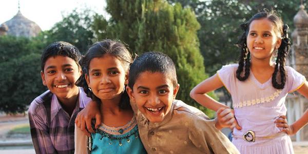 local-children-mumbai-india-volunteer-abroad-asia