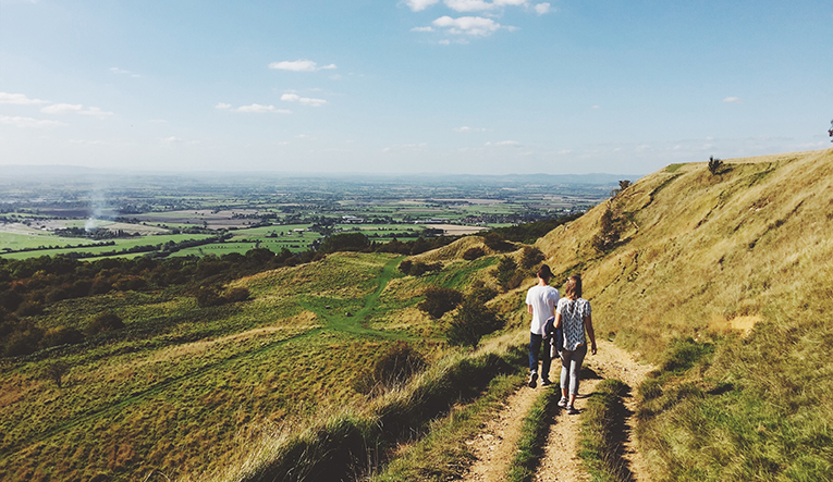 Walking through Cleeve Hill, Cheltenhamm, England