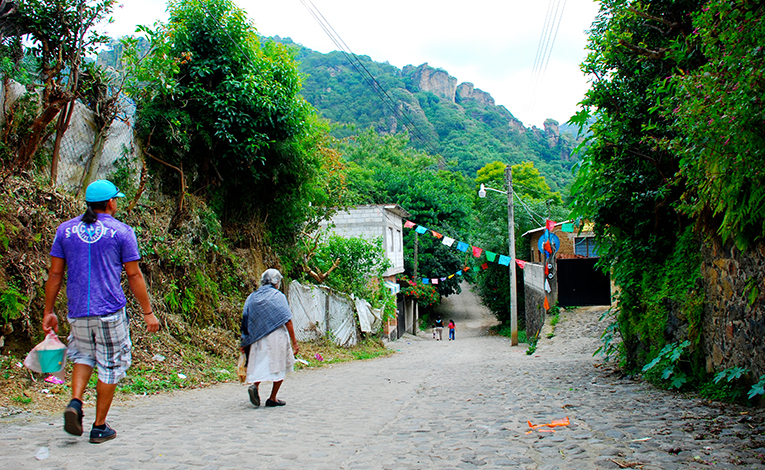 Street view of Amatlán de Quetzalcóatl, Mexico